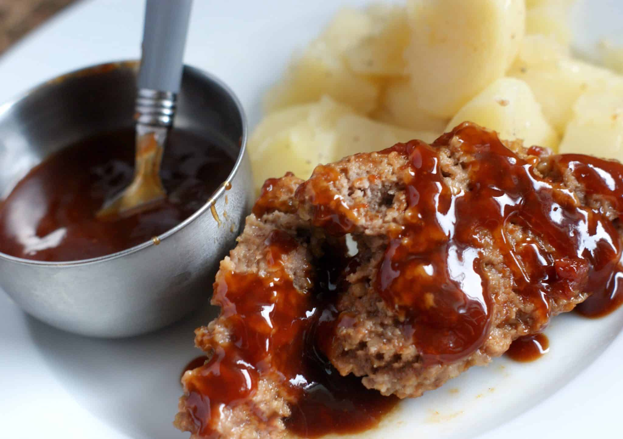 Meatloaf potatoes and sauce